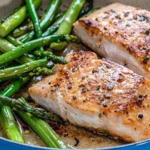 Keto Recipe - One Pan Salmon and Asparagus