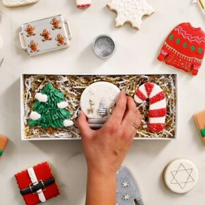 The Art of Decorating Holiday Cookies • Tasty